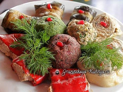 Пхали из шпината, крапивы или свекольных листьев (2)