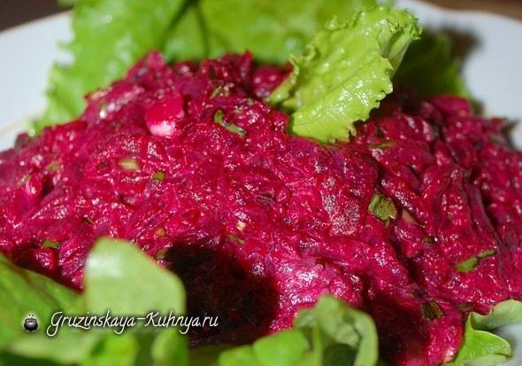Салат из красной свеклы с майонезом