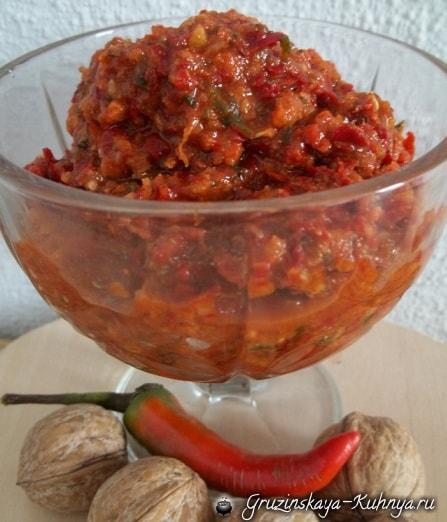 аджика с помидорами и грецкими орехами рецепт