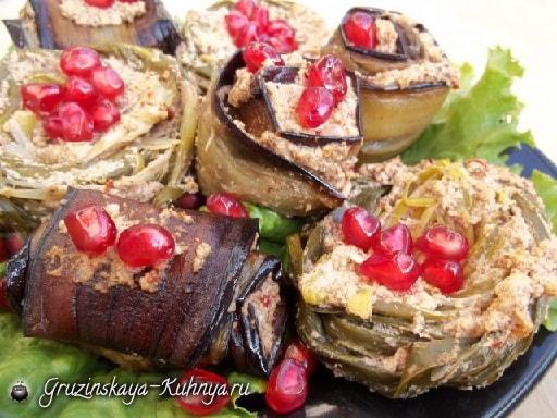 Баклажаны по-грузински с орехами и специями (5)