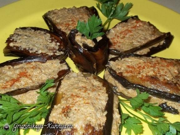 Баклажаны по-грузински с орехами и специями (6)
