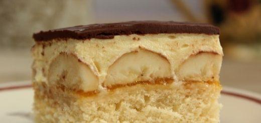 Банановый торт с шоколадной глазурью