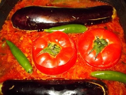 Фаршированные помидоры и баклажаны. Толма по-грузински (9)