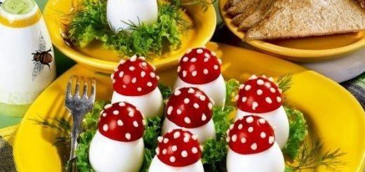 Грибочки мухоморы из помидор и яиц