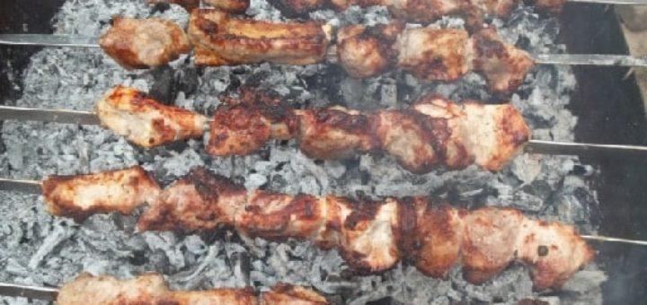 Шашлык из свинины в маринаде из мацони