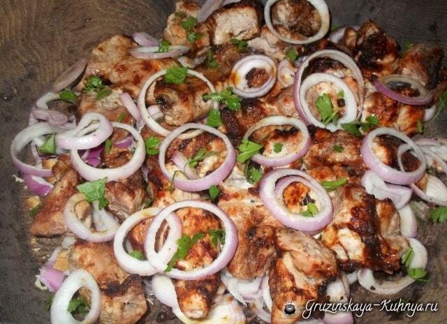 Шашлык из свинины в маринаде из мацони (9)