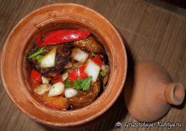 Жареные кабачки с овощами и специями (10)