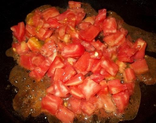 Жареные кабачки с овощами и специями (4)
