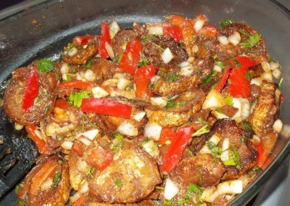 Жареные кабачки с овощами и специями (6)
