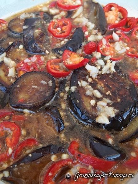 Баклажаны с перцем, чесноком и аджикой (3)