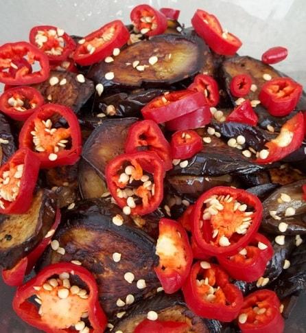 Баклажаны с перцем, чесноком и аджикой (7)