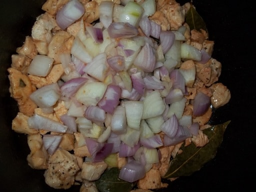 Куриное филе с грибами и зеленой аджикой (2)