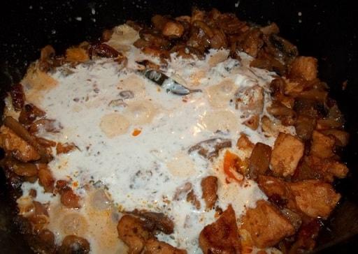 Куриное филе с грибами и зеленой аджикой (6)