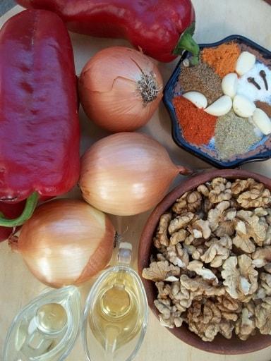Сациви с луком и красным болгарским перцем (3)