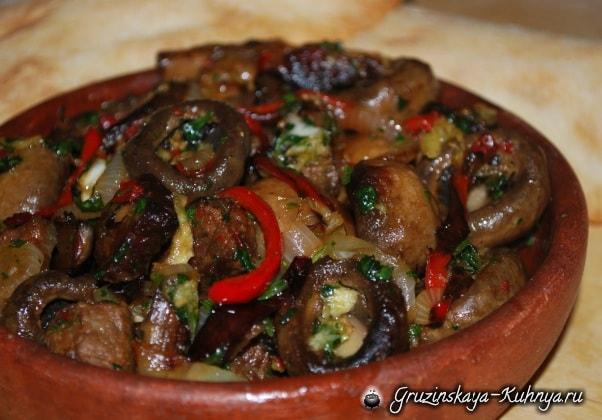 Тушеная говядина с грибами и аджикой (4)