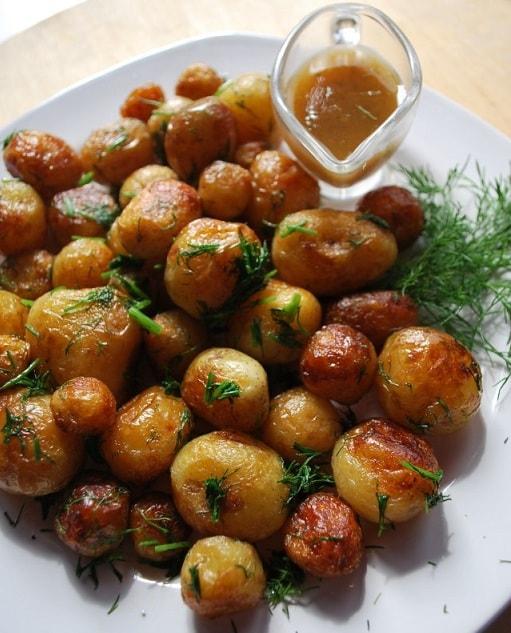Жареный молодой картофель с укропом (4)