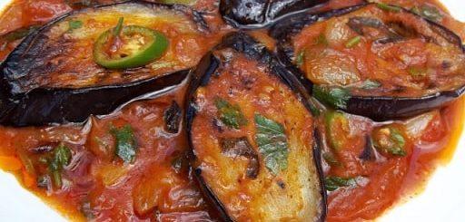 Баклажаны с зеленью и помидорами по-грузински