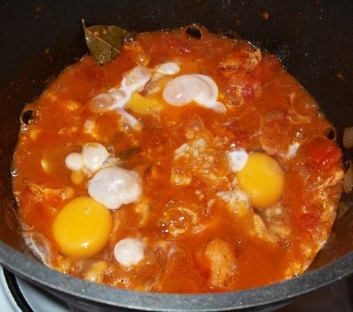 Чахохбили из курицы с зеленью и яйцами (2)