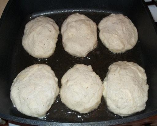 Чвиштари - рецепт кукурузных лепешек с сыром (6)