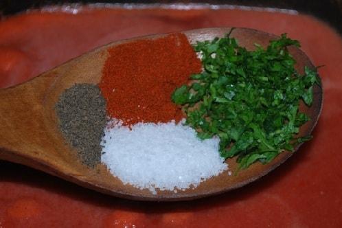 Фрикадельки в томатном соусе по-грузински