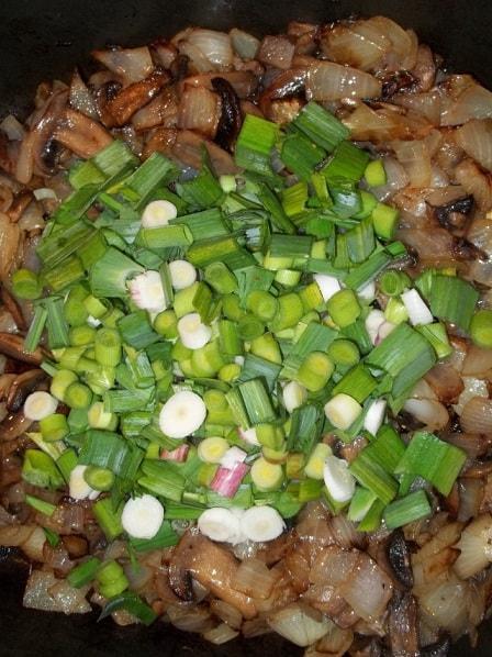 Грибы с зеленым чесноком по-грузински (2)