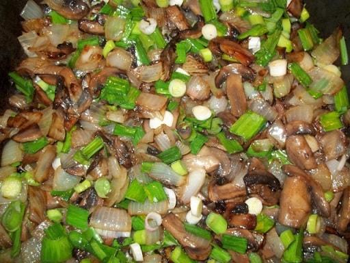 Грибы с зеленым чесноком по-грузински (6)