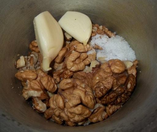 Куриная печень с грецкими орехами и гранатом (5)