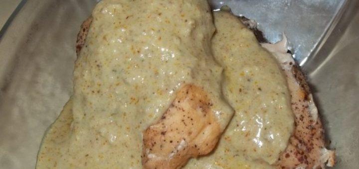 Куриные грудки в ореховом соусе баже