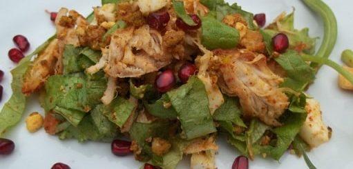 Куриный салат с орехами и гранатом