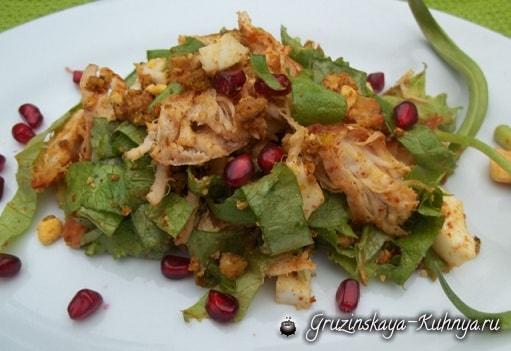 Куриный салат с орехами и гранатом (3)