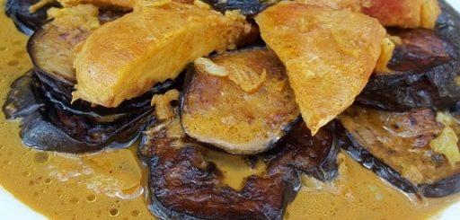 Курица с баклажанами и грузинскими специями