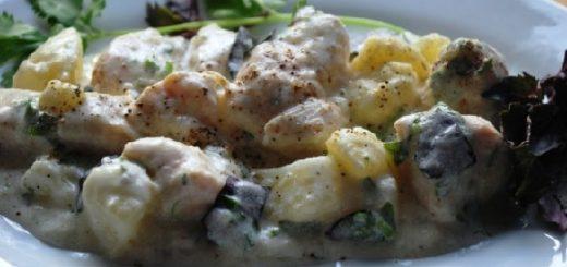Курица со сметаной и зеленью по-грузински