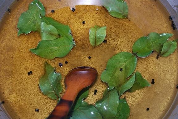 Маринованный по-грузински стручковый перец