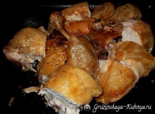 Рачули из жареной курицы с ежевичным соусом (10)