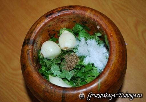 Рачули из жареной курицы с ежевичным соусом (4)