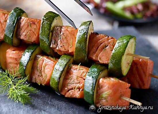Шашлык из лосося и кабачков (2)