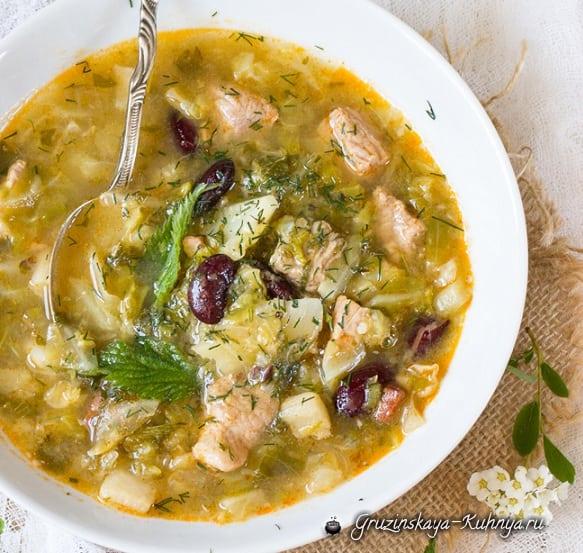Суп-гуляш с крапивой и молодой капустой (2)