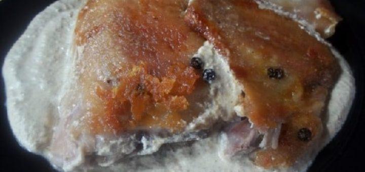 Цыпленок табака с ореховым соусом баже