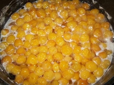 Варенье из белой черешни с фундуком (5)