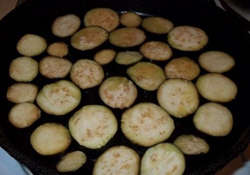 Баклажаны с пикантным соусом из майонеза (5)
