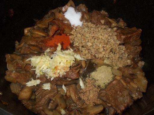 Чашушули из говядины с грибами (3)
