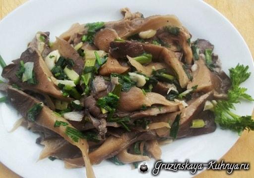 Грибной салат из вешенок с зеленым луком (6)