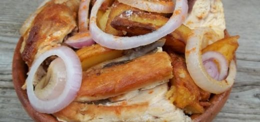 Оджахури из курицы с жареным картофелем