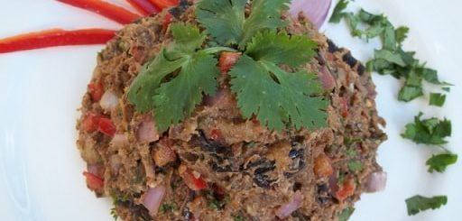 Салат из баклажанов с зеленью и специями