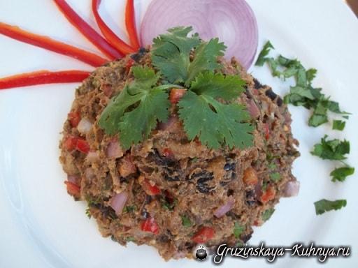 Салат из баклажанов с зеленью и специями (2)