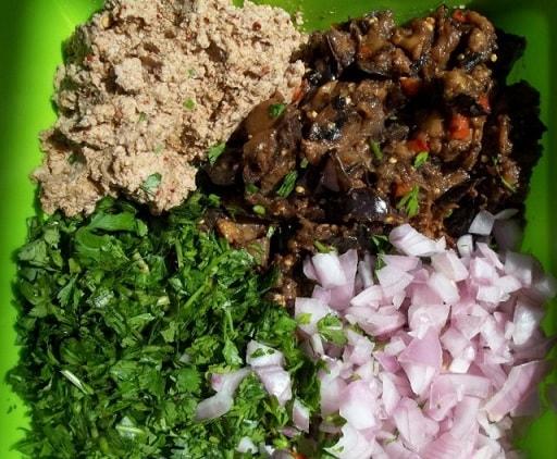 Салат из баклажанов с зеленью и специями (5)