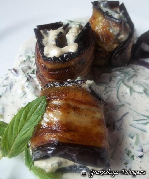 Жареные баклажаны с майонезом и зеленью (4)