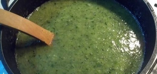 Зеленый ткемали. Рецепт кислого соуса из слив