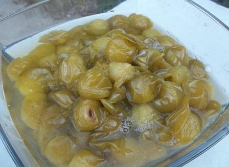 Зеленый ткемали. Рецепт кислого соуса из слив (4)