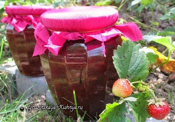 Рецепт клубничного варенья с крыжовником